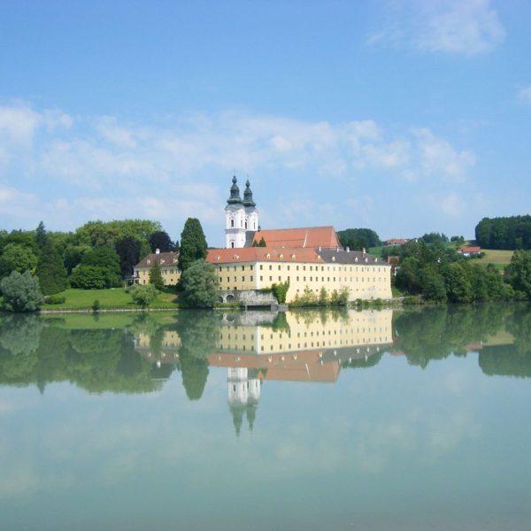 Schloss Vornbach Klosterkirche Landkreis Passau Gartenlust